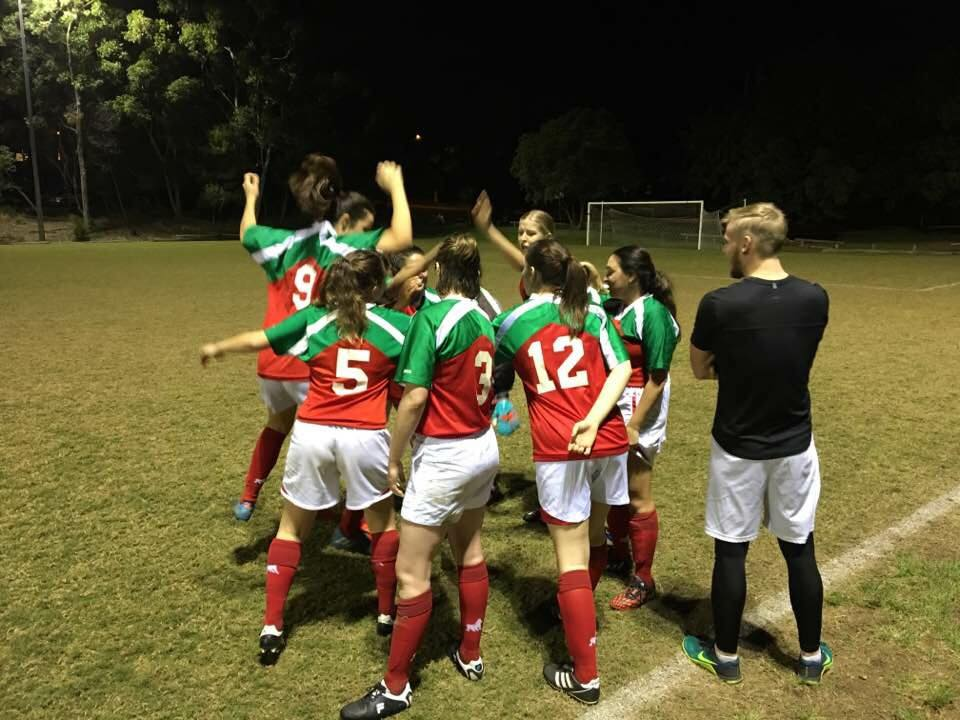 https://www.newfarmsoccer.com.au/wp-content/uploads/2019/06/Womens-Team-celebrate-2017.jpg